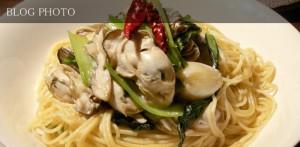 牡蠣とマイタケ、小松菜のオイスターバターパスタ