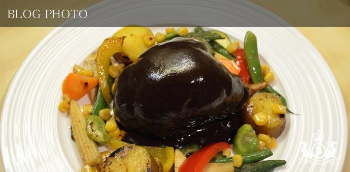 銀座京橋フレンチイタリアン居酒屋東京バルバリのフォアグラとキノコを詰めたウサギもも肉のクレピネット包み焼き シヴェソース