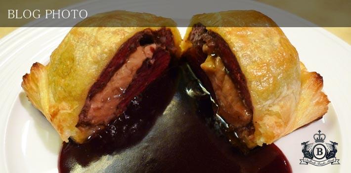 銀座京橋フレンチイタリアン居酒屋東京バルバリのエゾ鹿ロースとフォアグラのパイ包み焼き、グランブルーヌソース