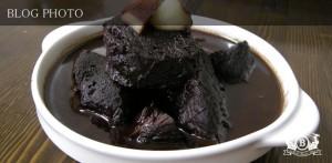 牛肉の赤ワイン煮込み和風家庭レシピ